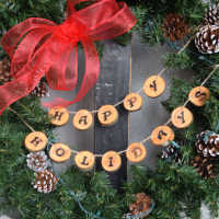 Happy Holidays Wood Round Garland or Wreath Decoration