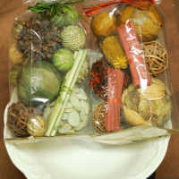 Assorted Bowl Filler Gift Bag - Green or Red
