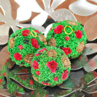Mini Cedar Rose Ornament Balls